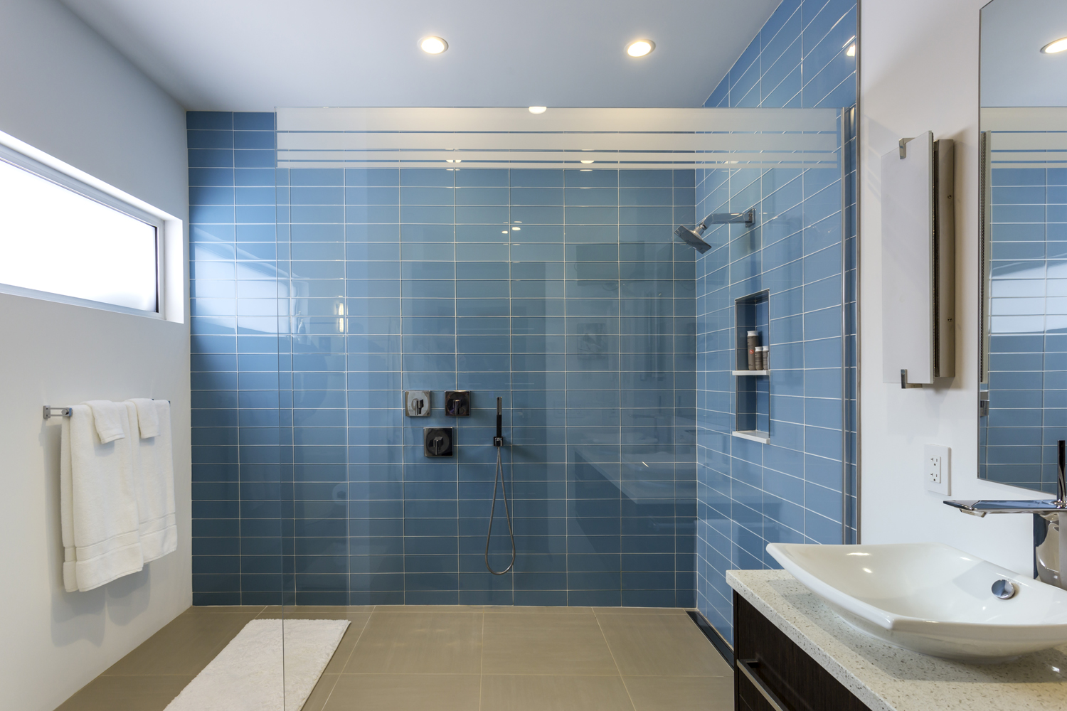 Steven Baczek architect Bowen residence, bathroom