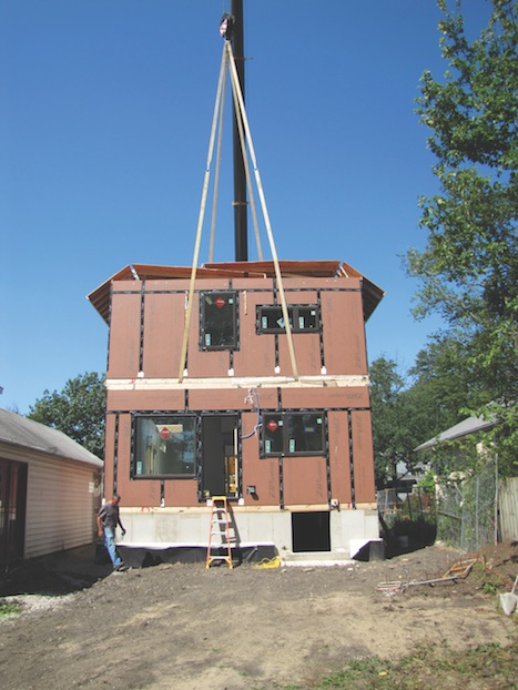 Modular home being set in Oak Park, Ill.