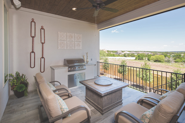 RanchoSienna_outdoor_living_balcony_0.jpg
