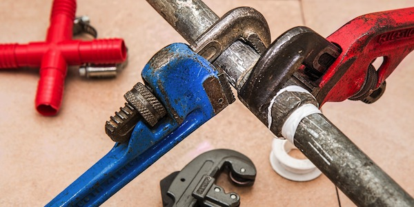 How to repair or prevent water damage in the kitchen and bathroom