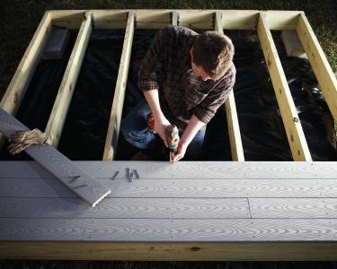 Decking: Wood vs Composite