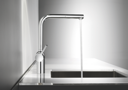 The new single-lever KWC Livello is KWC's elegant answer to right-angled kitchen