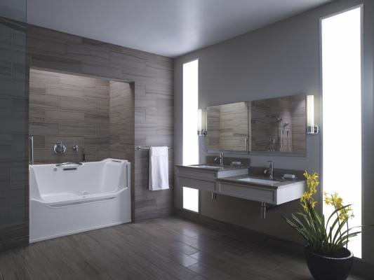 Bath with universal design features (Image: Courtesy manufacturer)