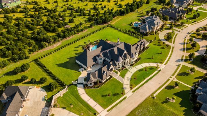 Mansion estate