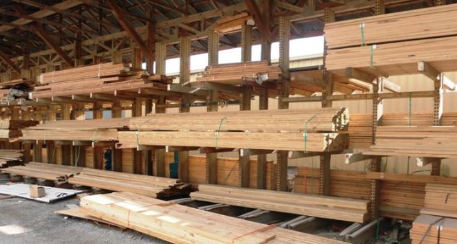 lumberyard-lumber stacked-building materials-Flickr user Scott Lewis, 2.0 Generic (CC BY 2.0)
