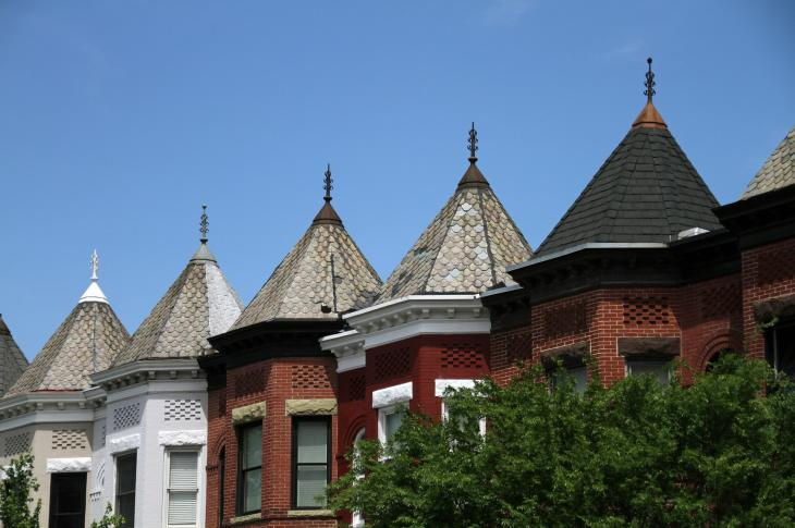 Rooftops, Washington DC, image: Monica Volpin via Pixabay
