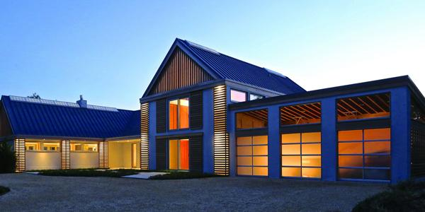 Modern barn house showcases efficiency daylight and the for Modern pole barn homes