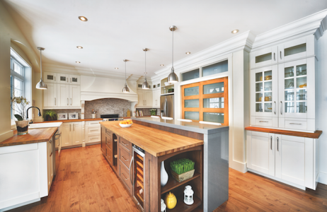 A light-filled kitchen by Canadian manufacturer Cuisines Laurier.